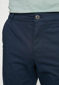 Selected Homme - SLHSTRAIGHT PARIS - Shorts - dark sapphire - 3
