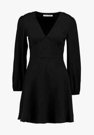 CINDY SHORT DRESS - Vapaa-ajan mekko - black