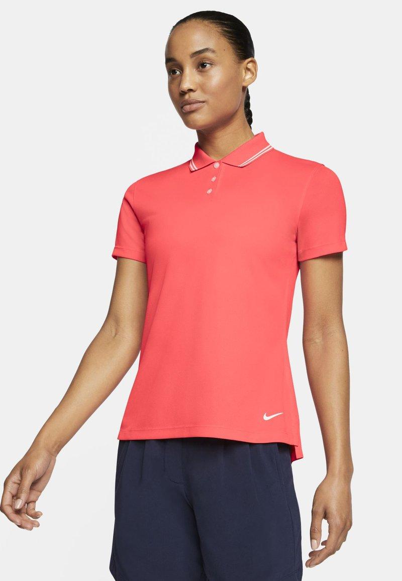 Nike Golf - DRY VICTORY - Koszulka sportowa - laser crimson/white