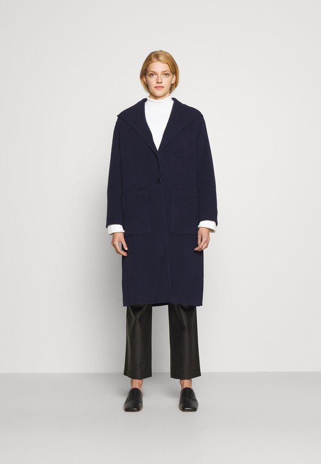 HOODED COAT - Cappotto classico - navy
