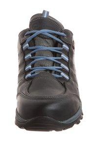 Travelin - AARHUS LOW - Hiking shoes - black - 5
