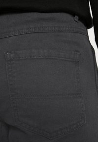 Mennace - STRAIGHT PAINTERS PANT - Kalhoty - charcoal - 5