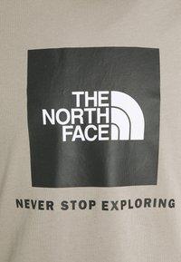 The North Face - T-shirt z nadrukiem - mineral grey - 2
