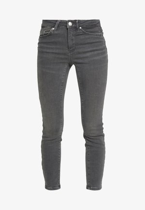 VMTERESA MR JEANS PETITE - Skinny džíny - medium grey denim