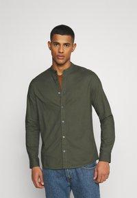 Burton Menswear London - LONG SLEEVE OXFORD GRANDAD 2 PACK - Shirt - black/karki - 2