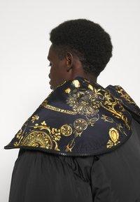 Versace Jeans Couture - Doudoune - nero - 3