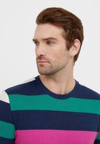 Finn Flare - Print T-shirt - dark blue - 4
