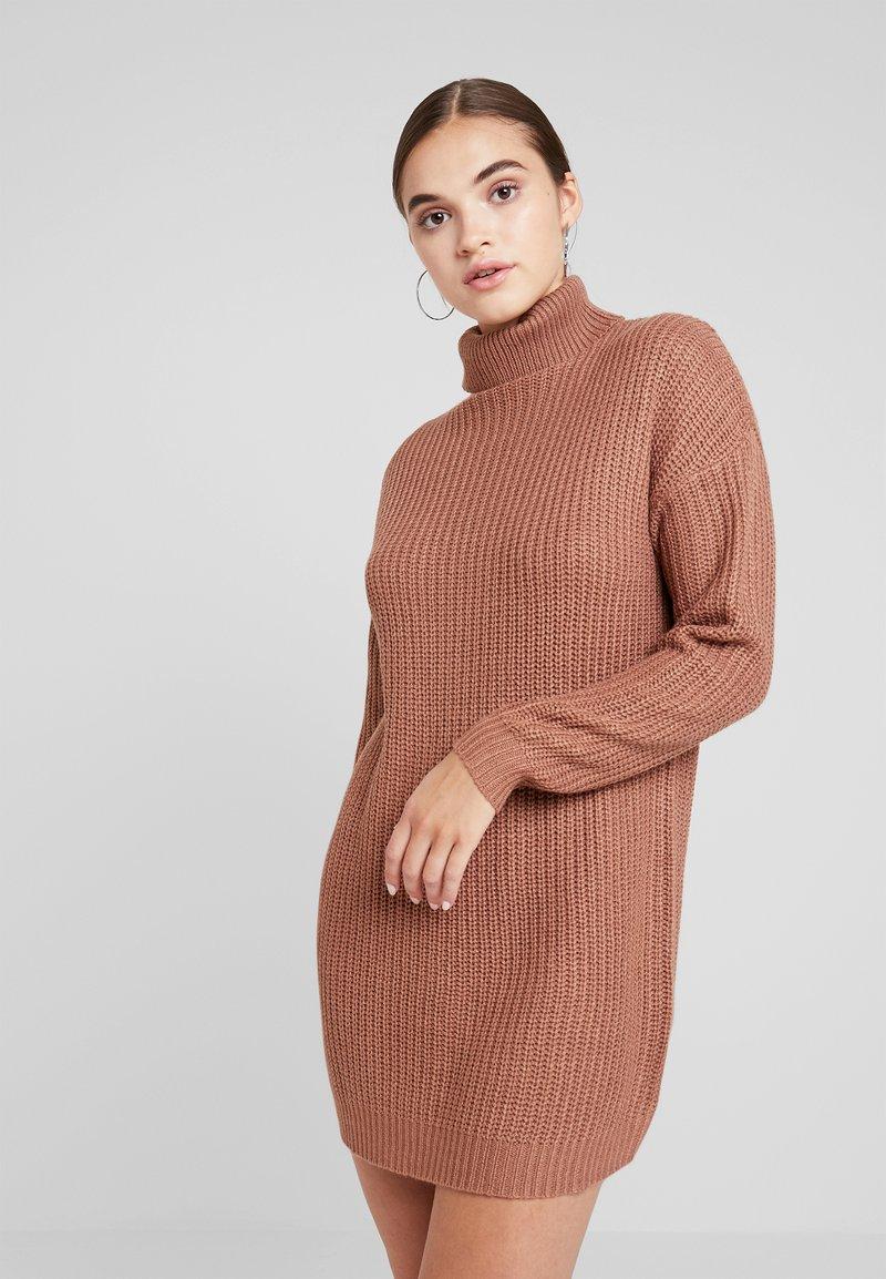 Missguided - ROLL NECK BASIC DRESS - Strikket kjole - mocha