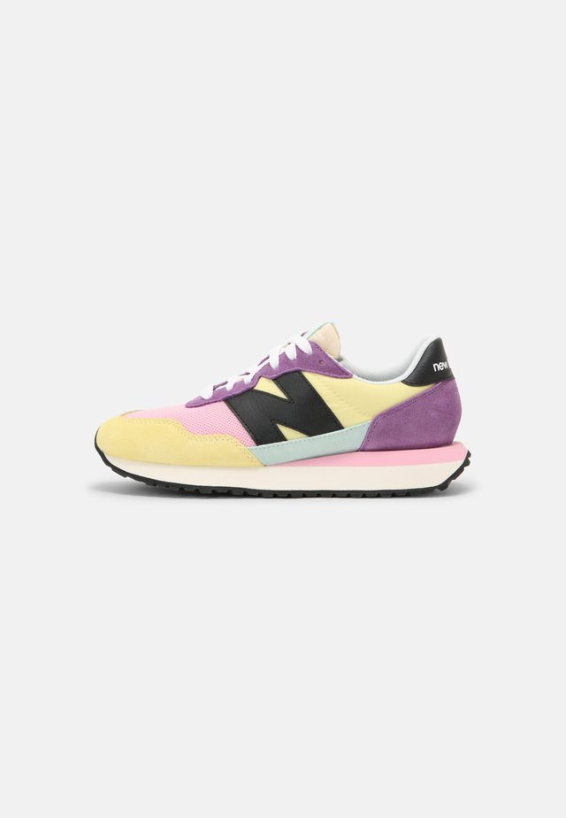 WS237 - Sneakers laag - lemon haze