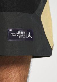 Jordan - Shorts - black/smoke grey/citron pulse/electric green - 5