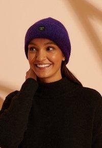 Superdry - Beanie - bright violet - 0
