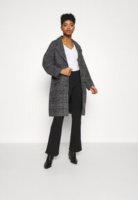 Levi's® - COCOON COAT - Classic coat - danbunite caviar plaid - 1