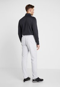 Under Armour - TAKEOVER GOLF PANT TAPER - Chino - halo gray - 2