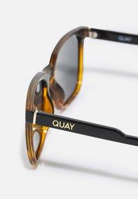 QUAY AUSTRALIA - LEGACY - Sunglasses - black/smoke - 3