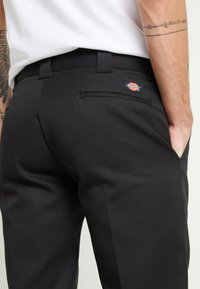 Dickies - 873 SLIM STRAIGHT WORK PANT - Broek - black - 4