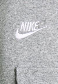 Nike Sportswear - CLUB PANT - Pantaloni sportivi - grey heather/matte silver/white - 2