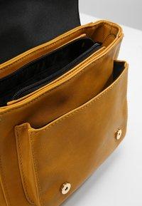 Even&Odd - Across body bag - mustard - 4