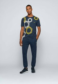 BOSS - 2-PACK - Basic T-shirt - patterned - 1