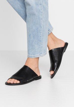 CAROL - Pantofle - black