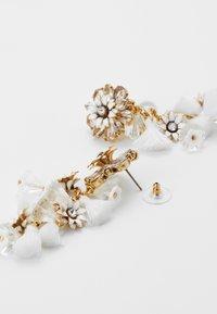 J.CREW - BLOOM FLOWER STATEMENT EARRINGS - Earrings - crystal - 2