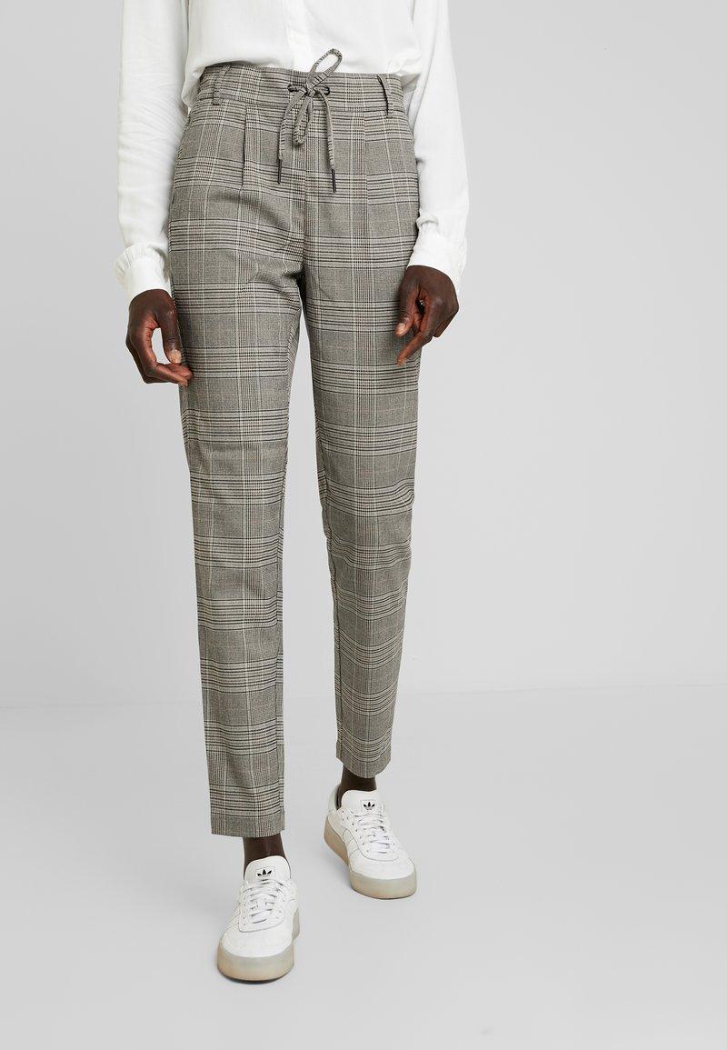 ONLY Tall - ONLPOPTRASH EASY SAVIL CHECK PANT - Trousers - black/merlot/adobe