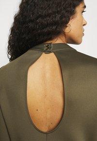 Closet - HIGH NECK PEPLUM DRESS - Day dress - khaki - 5