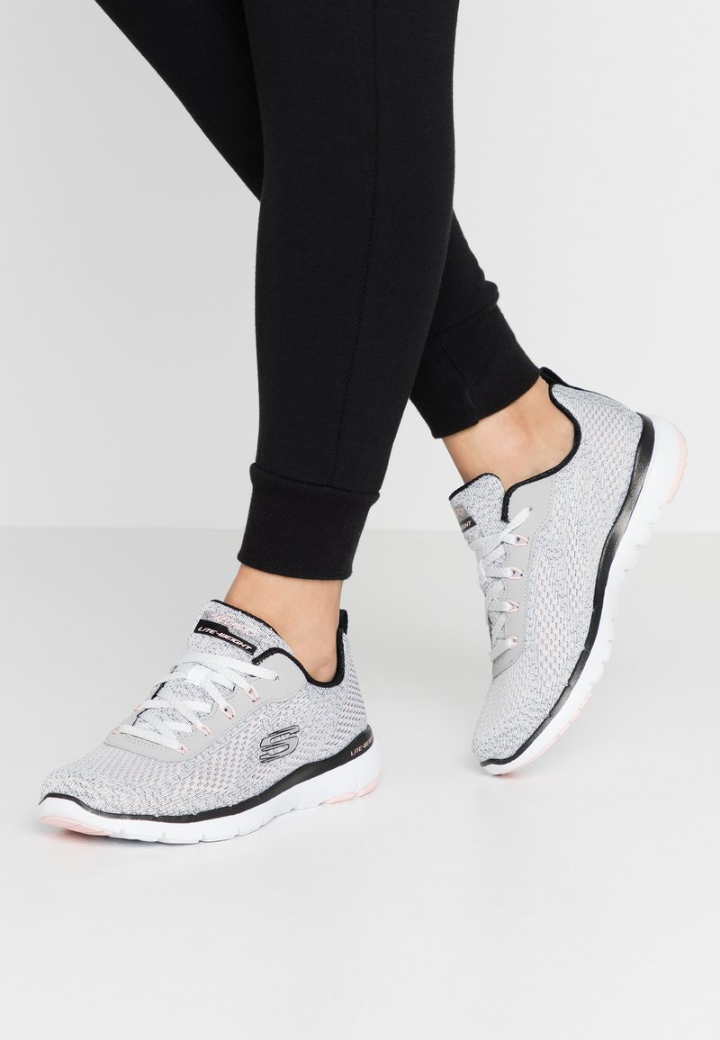 Skechers Sport - FLEX APPEAL 3.0 - Zapatillas - white black/light pink