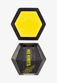 Solidu - SOLID HAIR CONDITIONER NO KNOTS. - Conditioner - yellow - 0
