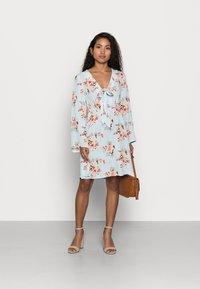 VILA PETITE - VIMESA SHORT DRESS PETITE - Day dress - cashmere blue - 1
