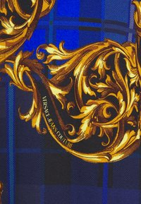 Versace Jeans Couture - Print T-shirt - blu royal/oro - 8
