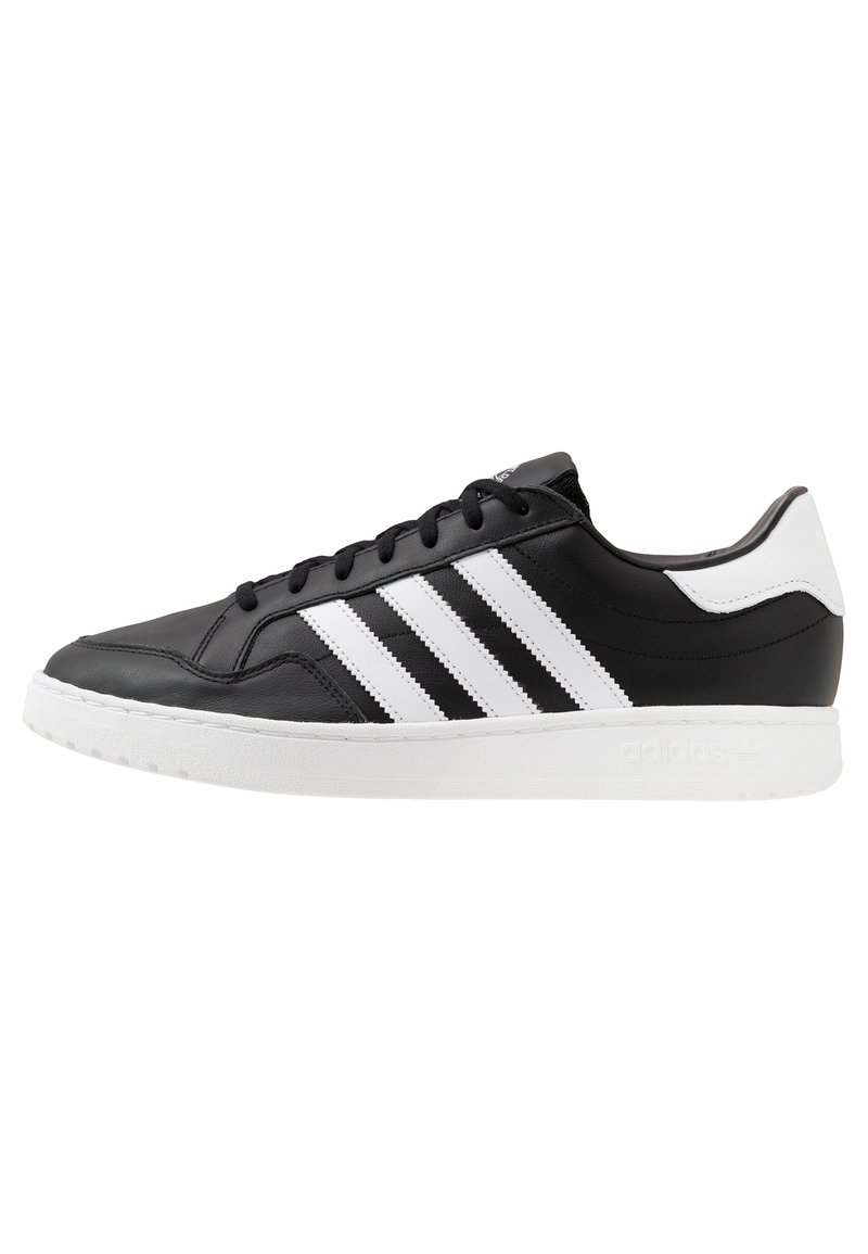 adidas Originals - TEAM COURT - Sneakers basse - core black/footwear white