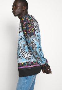 Versace Jeans Couture - FELPA - Bluza - nero - 5