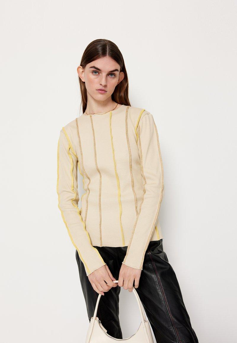 HOSBJERG - ANNA LONG SLEEVE - Bluzka z długim rękawem - beige