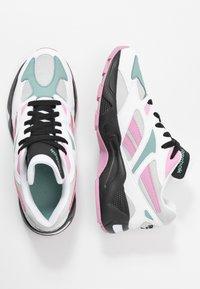 Reebok Classic - AZTREK 96 - Sneaker low - white/jasmine pink/green slate - 3