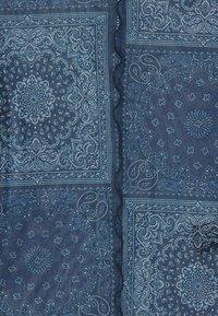 BDG Urban Outfitters - PRINT TOP - Blůza - blue - 2