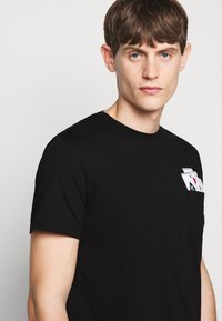 KARL LAGERFELD - CREWNECK - Print T-shirt - black - 3