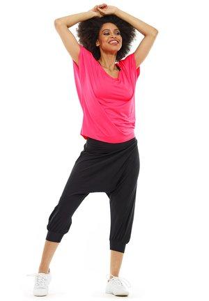 FUNCTIONAL DANCE - T-shirt basic - neon pink