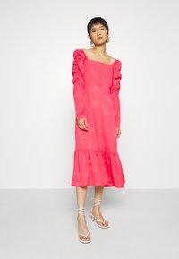 Cras - LISECRAS DRESS - Sukienka letnia - paradise pink - 0