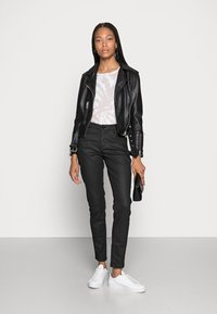 Opus - EVITA COATED - Jeans Skinny Fit - black - 1