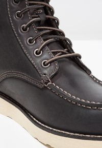 Eastland - LUMBER UP - Lace-up ankle boots - black - 5