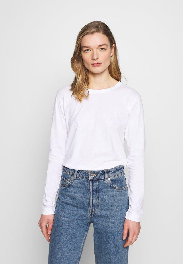 MAJA - T-shirt à manches longues - white