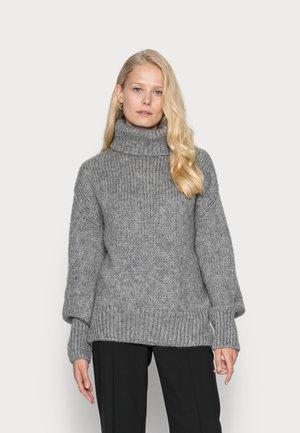 Strikkegenser - warm grey melange