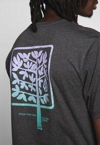 Volcom - GROWN HTH SS - Camiseta estampada - anthracite - 4