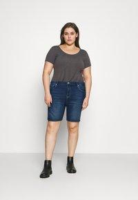 ONLY Carmakoma - CARLAOLA LIFE - Denim shorts - medium blue denim - 1