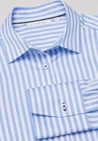 Eterna - MODERN CLASSIC - Overhemdblouse - hellblau/weiß - 5