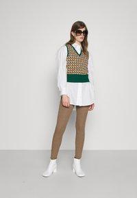 By Malene Birger - NIMBI - Leggings - Trousers - clay - 1