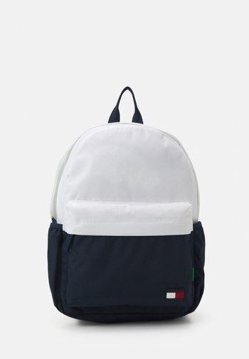 CORE BACKPACK UNISEX - Rucksack - white
