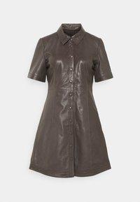 JUST FEMALE - FALL DRESS - Shirt dress - sparrow - 0