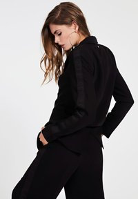 Guess - Short coat - schwarz - 2