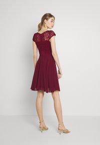 WAL G. - PEYTON SKATER DRESS - Cocktail dress / Party dress - burgundy - 2